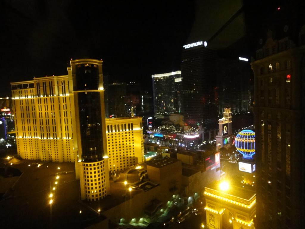 ラスベガス パリスホテル エッフェル塔 レストランから 夜景
