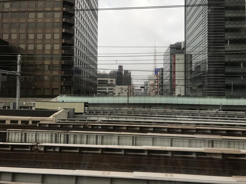 「サンライズ出雲」東京行き 窓から 東京タワー