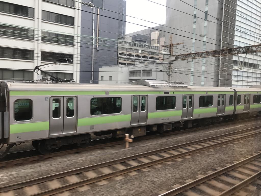 「サンライズ出雲」東京行き 窓から 山手線