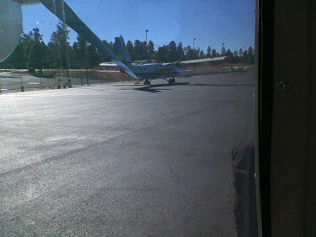 グランドキャニオンへ サウスリム 飛行場に到着