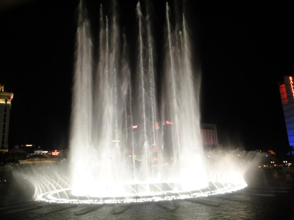 ラスベガス ベラッシオホテル 噴水ショー