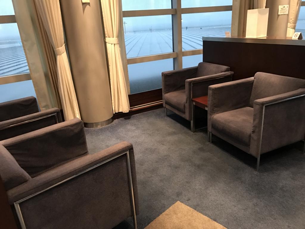 羽田空港 国内線 第2ターミナル エアポートラウンジ 北ピア BOX席