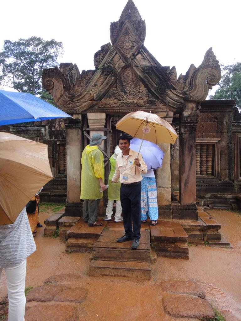カンボジア シェムリアップ バンテアイ・スレイ遺跡 最後の塔門