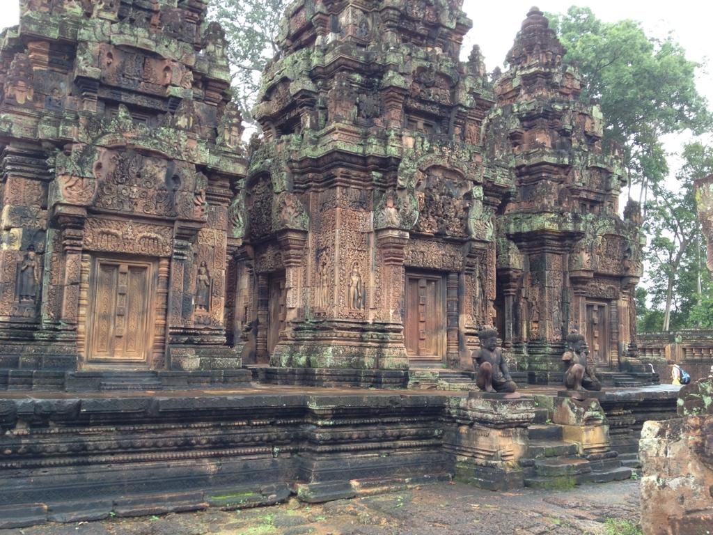 カンボジア シェムリアップ バンテアイ・スレイ遺跡 「東洋のモナリザ」建造物