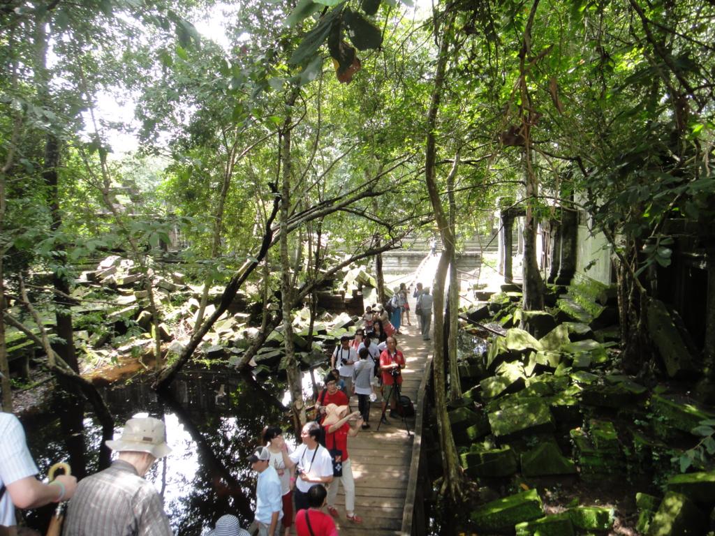 カンボジア「ベンメリア遺跡」遊歩道