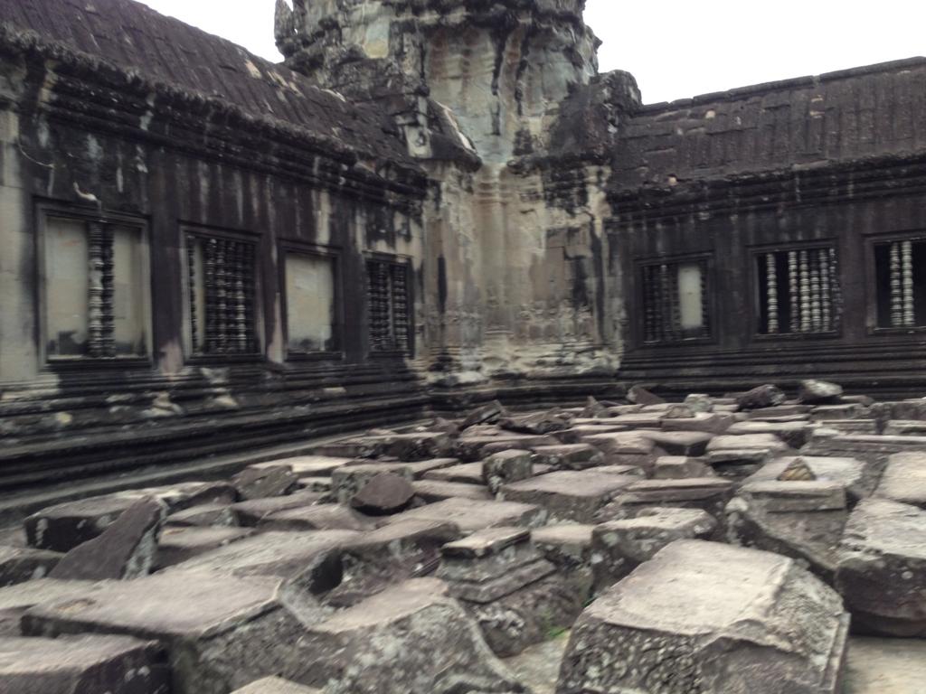 カンボジア シェムリアップ 「アンコールワット遺跡」中央祠堂 第3回廊