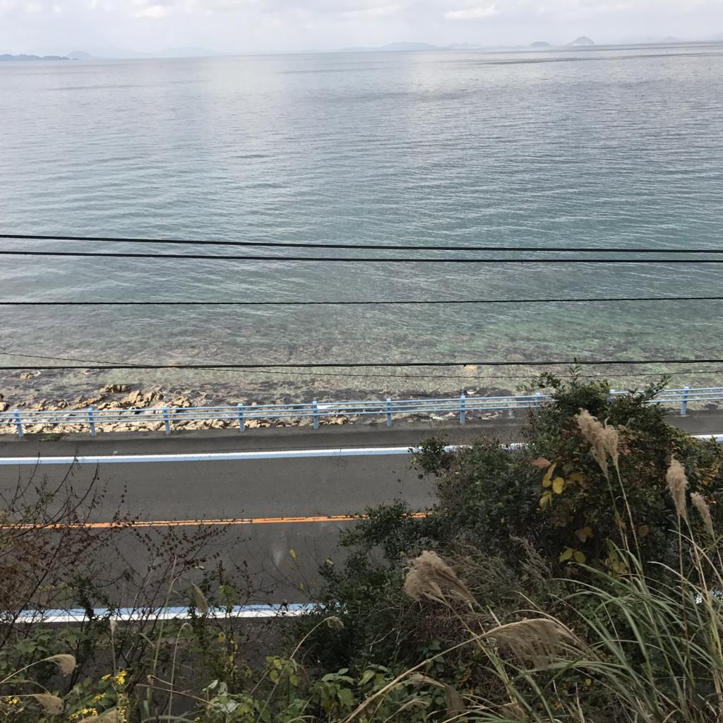 予讃線 観光列車「伊予灘ものがたり」「双海編」沿 線 海の色