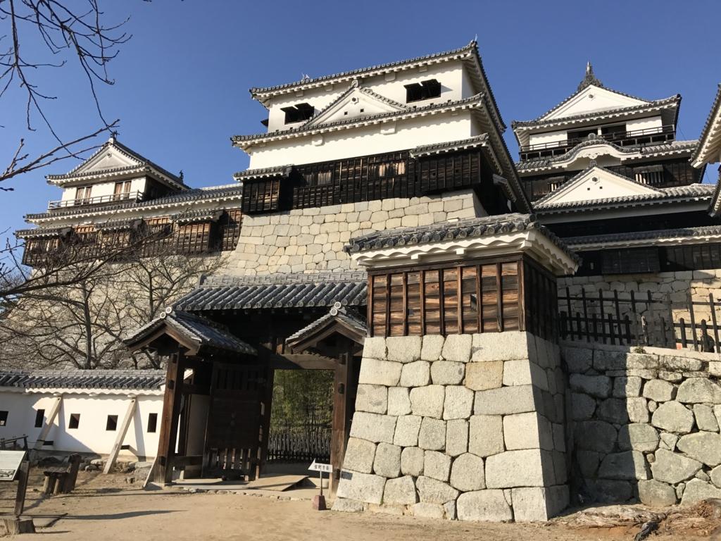 松山城観光 本壇(天守・小天守その他の建物)