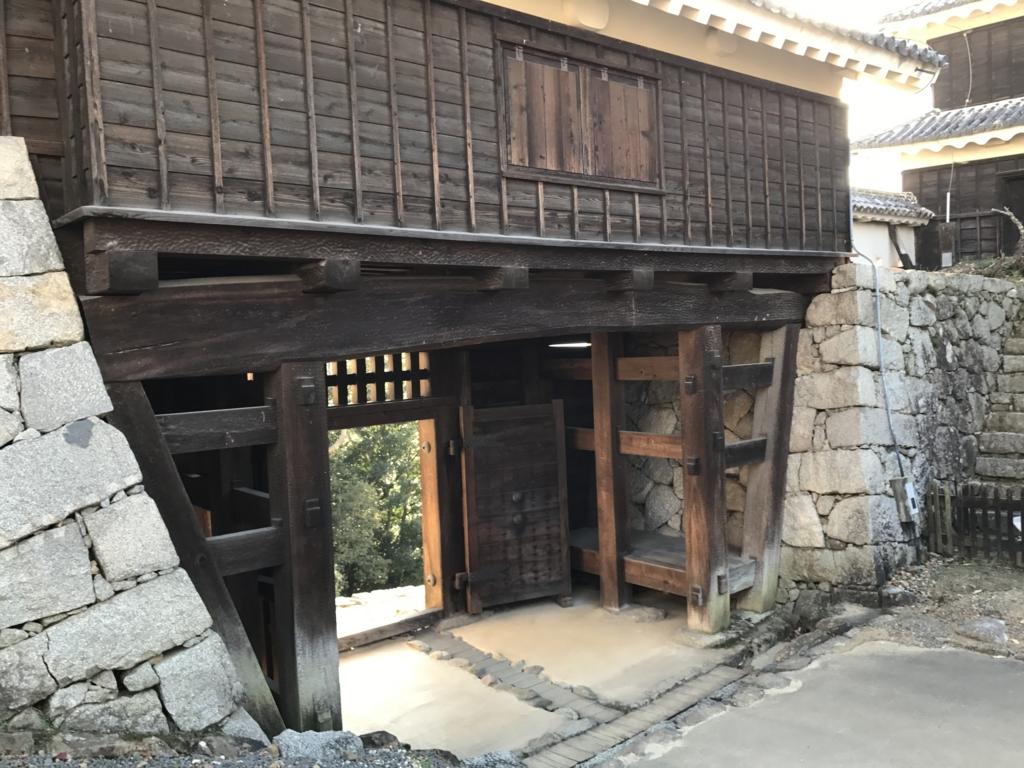 松山城観光 乾門