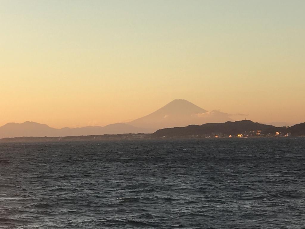 千葉県富津市金谷「天然温泉 海辺の湯」部屋からの富士山