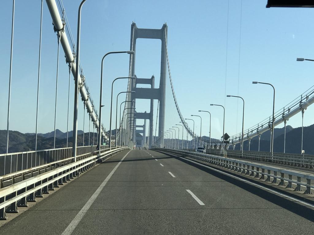 「しまなみ海道」高速バス「キララ エクスプレス」来島海峡大橋 走行中