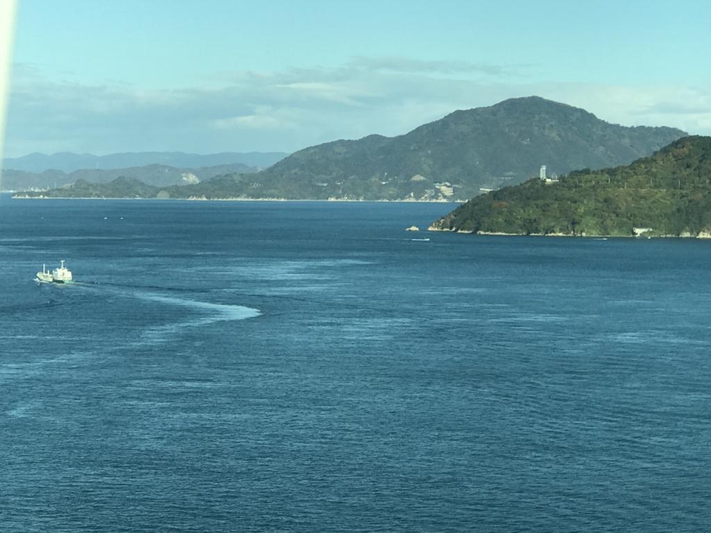 「しまなみ海道」高速バス「キララ エクスプレス」乗車中 来島海峡大橋より
