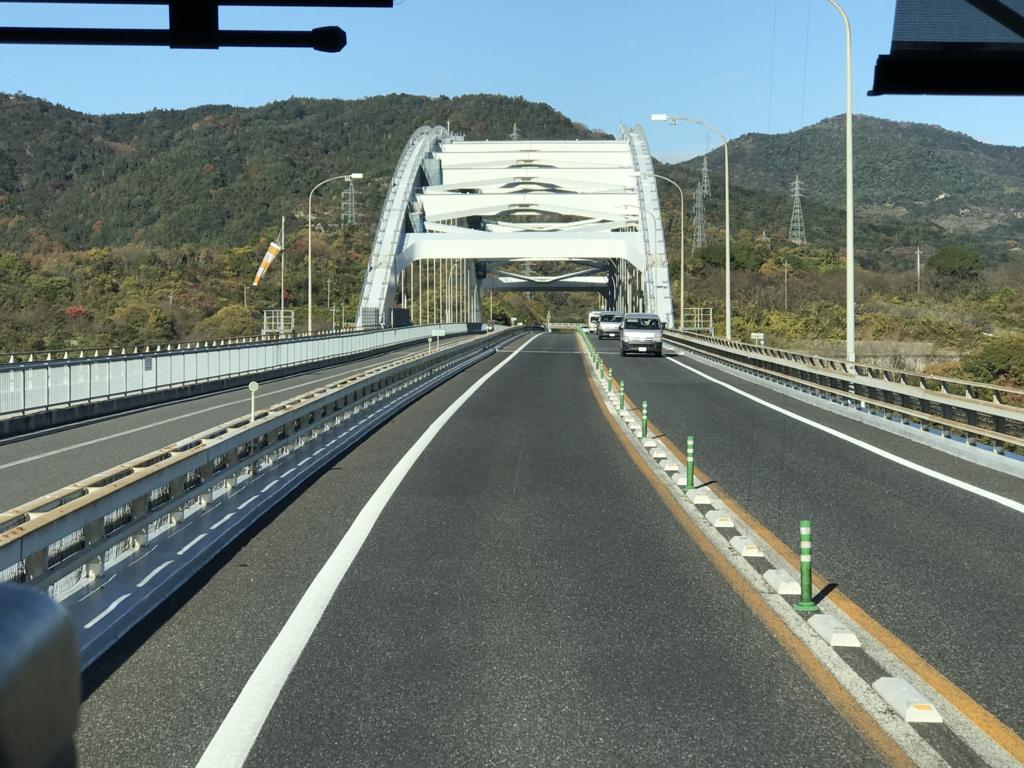 「しまなみ海道」高速バス「キララ エクスプレス」大三島橋 走行中