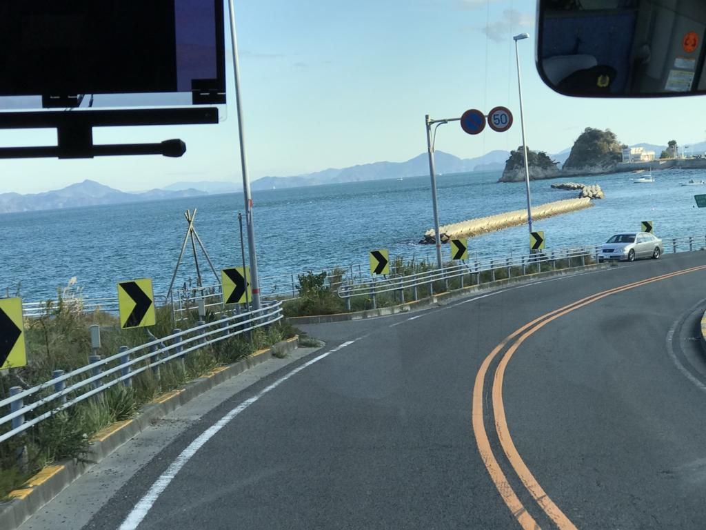 「しまなみ海道」高速バス「キララ エクスプレス」よりの風景 北条をすぎると