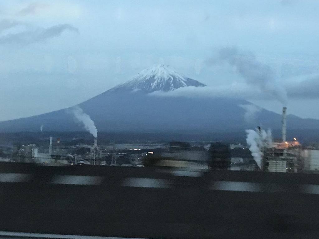 JR新幹線のぞみ 東京行き 車内より富士山撮影