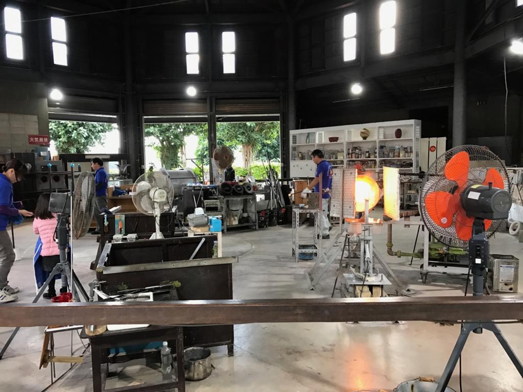 沖縄県「おきなわワールド」琉球ガラス王国工房