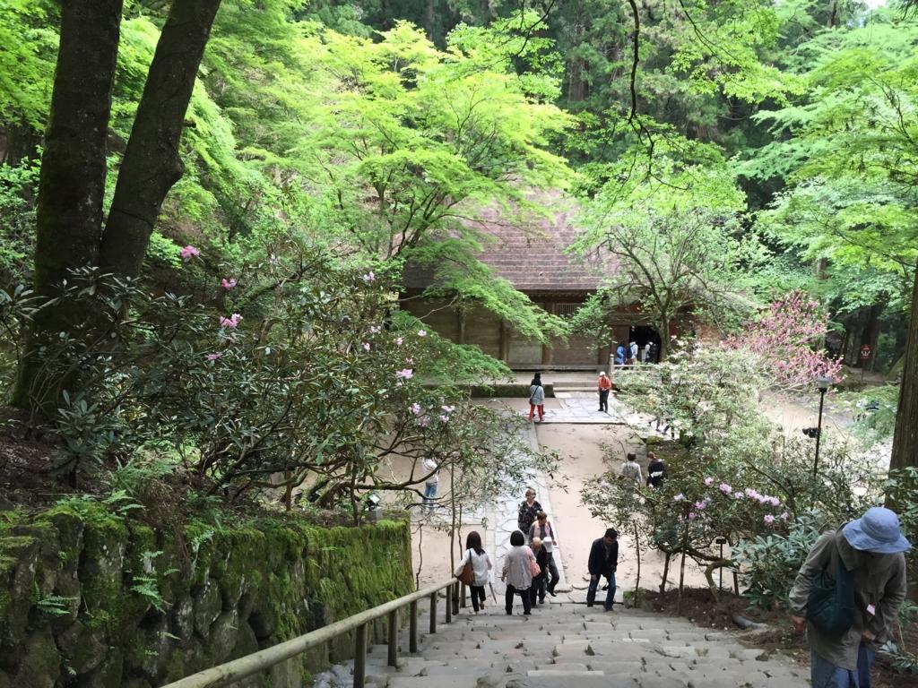 奈良県 室生寺 最初の階段を上から