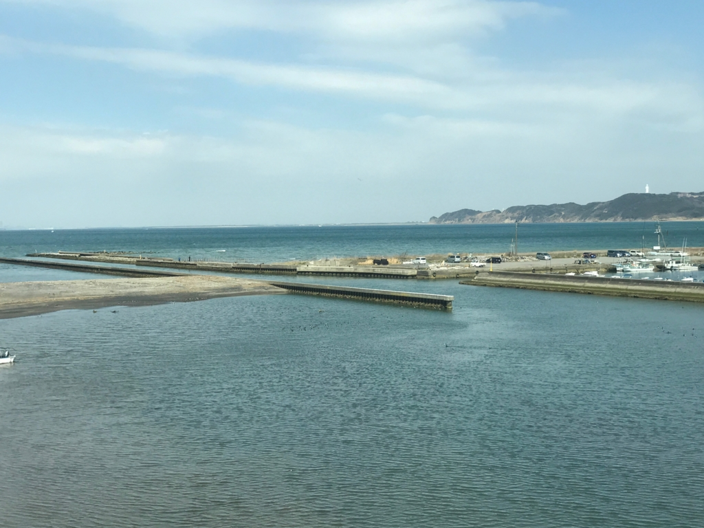 JR上総湊駅付近 鉄橋より海 3月 新宿さざなみ号の車窓より