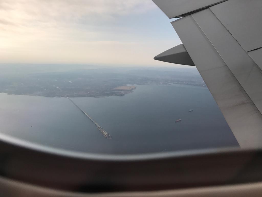 ANA671便 28番左側席から 海ホタル