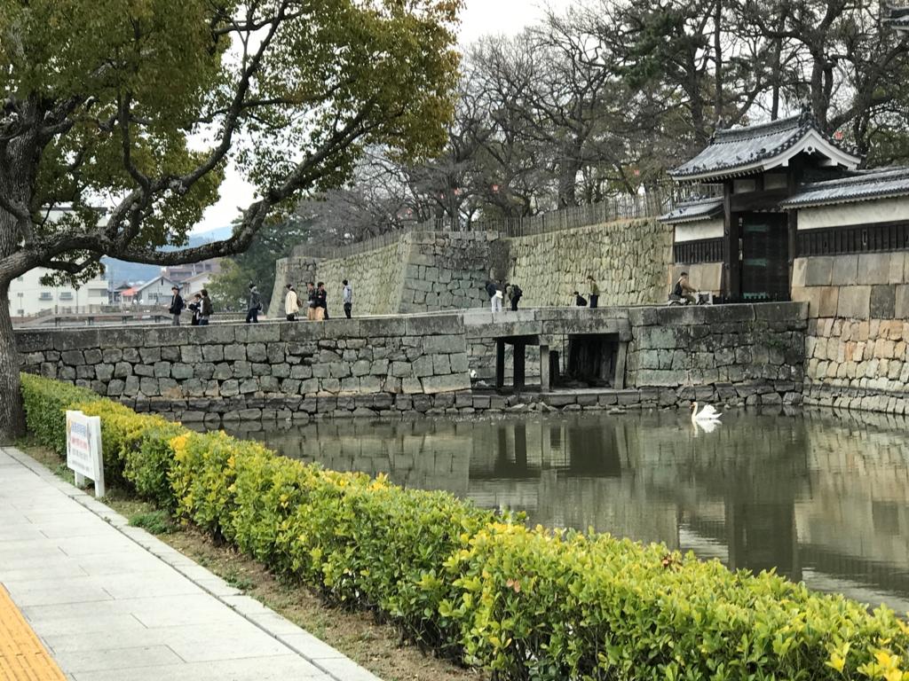 香川県 丸亀城 大手二の門 沢山の観光客