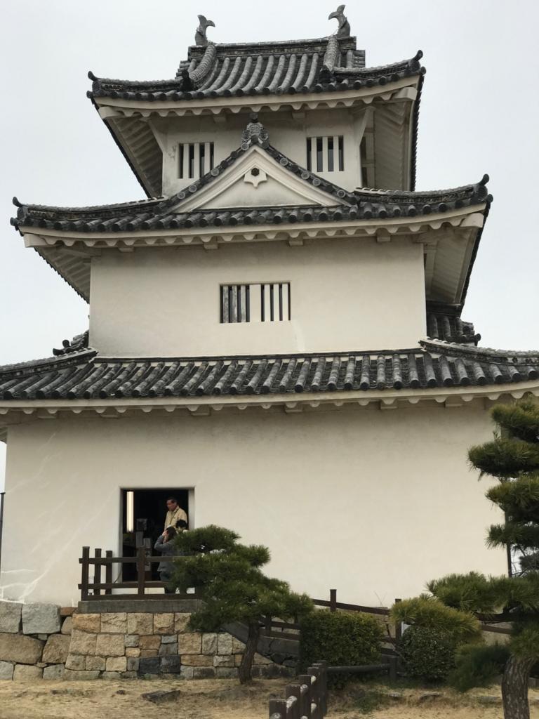 香川県 丸亀城 天守閣への入り口