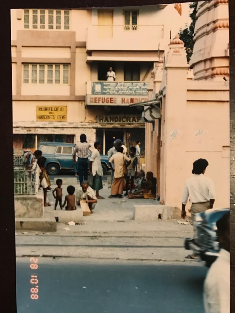 30年前の インド カルカッタ 路上で生活する人々