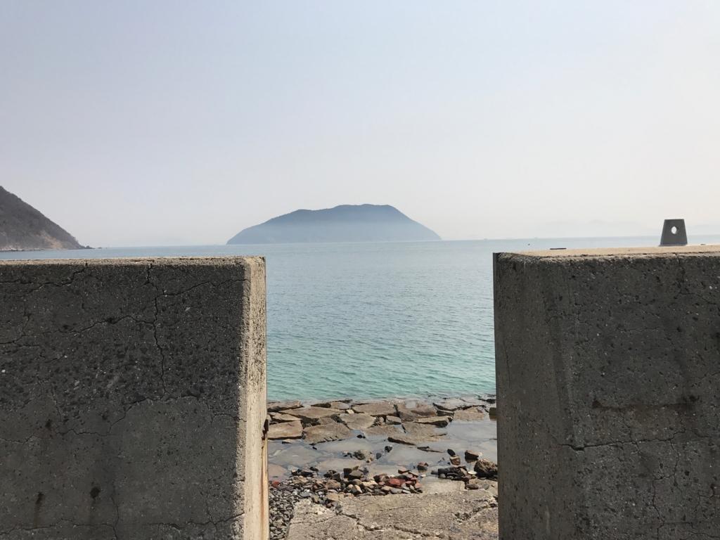 香川県 佐栁島(ねこ島)本浦集落 防波堤