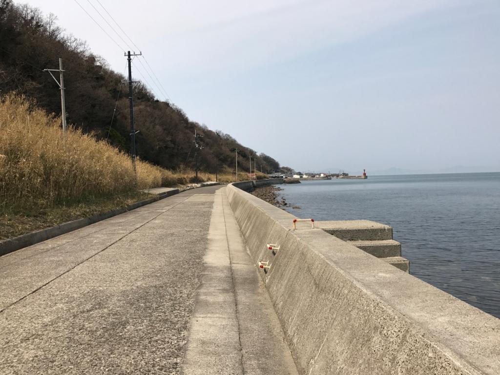 香川県 佐栁島(ねこ島) 本浦集落 から 長崎集落 への1本道