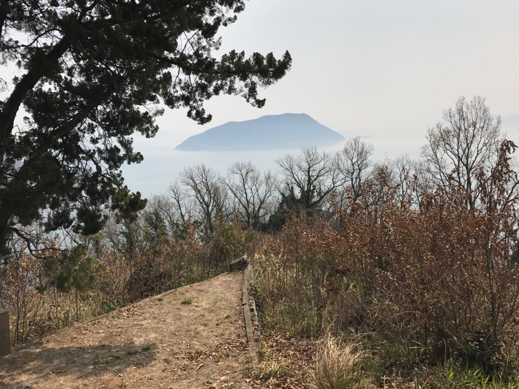 香川県 佐柳島(ねこ島)「大天神社」横の道 絶景地?