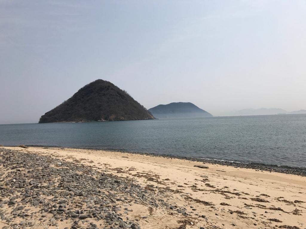 香川県 佐柳島(ねこ島)本浦集落の外れの海岸