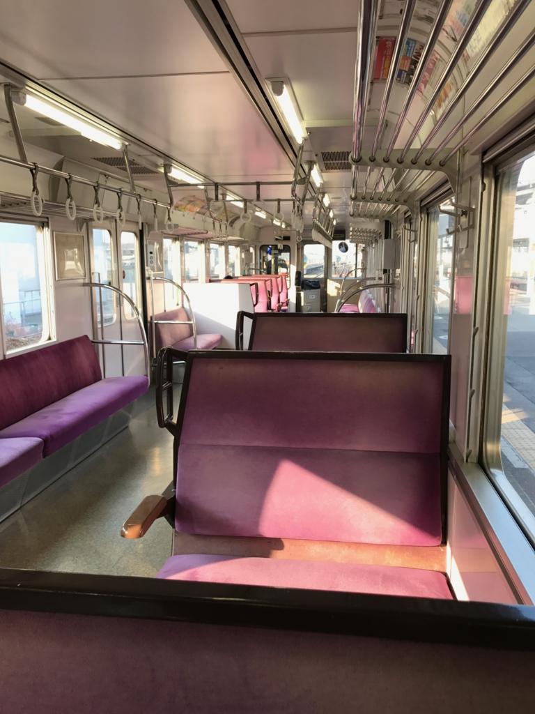 JR在来線で 多度津駅から高松駅へ 車内