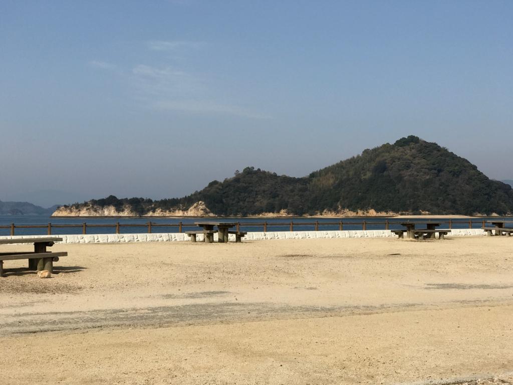 広島県 うさぎ島(大久島)休暇村の広場から瀬戸内海