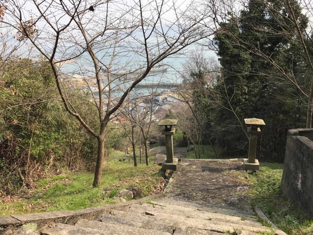 香川県 佐柳島(ねこ島)「大天神社」お参り道 階段道からの景色