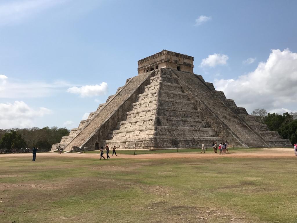 メキシコ チチェン・イッツァ遺跡 ククルカンのピラミッド 北西面