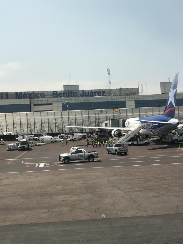 NH180便 メキシコシティ国際空港 到着