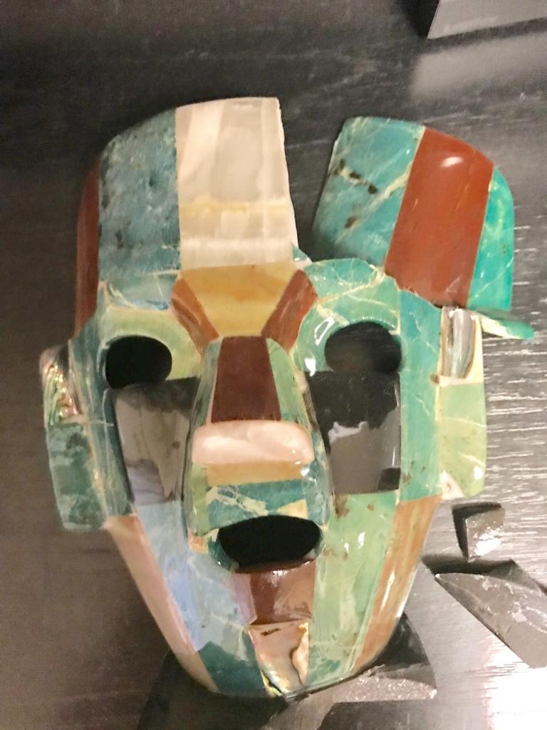 メキシコ テオティワカン遺跡 民芸品 割れた...「翡翠の仮面」