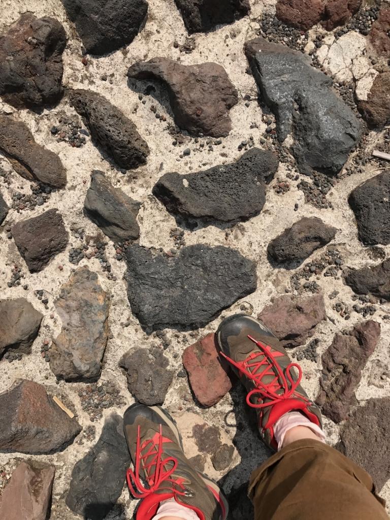 メキシコ テオティワカン遺跡 「太陽のピラミッド」頂上 足場