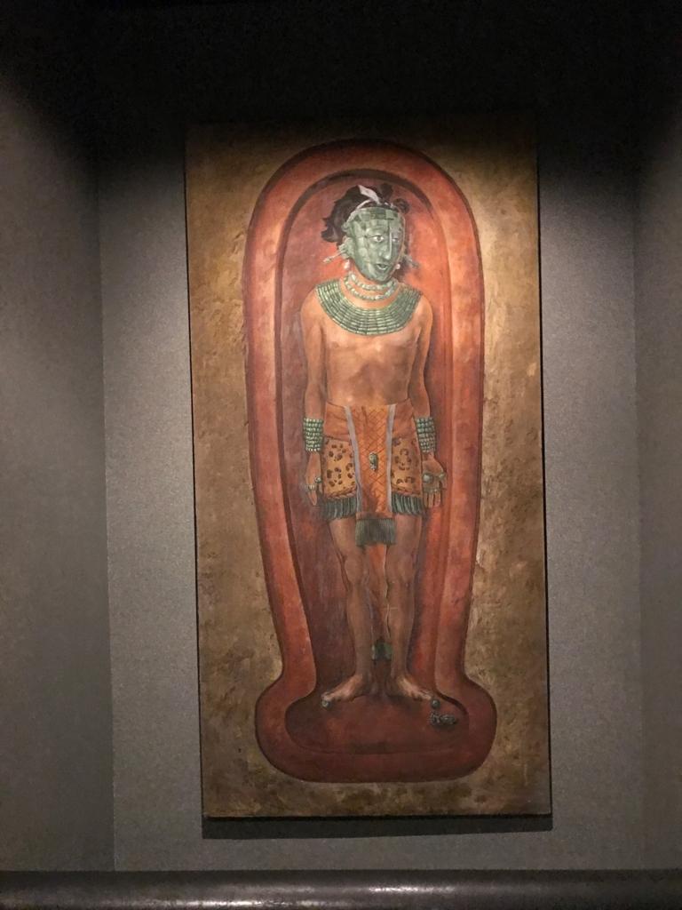 メキシコシティ「国立人類学博物館」パレンケ遺跡の王墓 埋葬の再現図