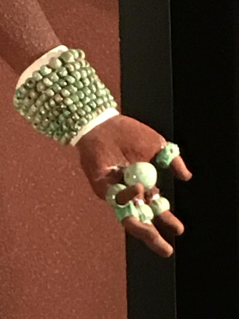 メキシコシティ「国立人類学博物館」パレンケ遺跡 パカル王 手の装飾品