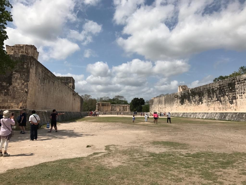 メキシコ チチェンイッツァ遺跡 球技場跡