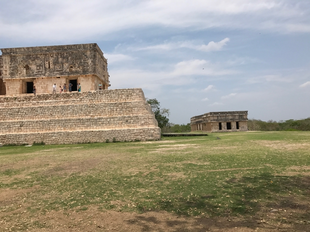 メキシコ ウシュマル遺跡 亀の家