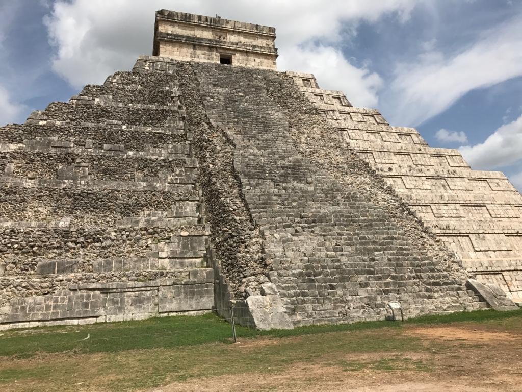 メキシコ チチェン・イッツァ遺跡 ククルカンのピラミッド 東面