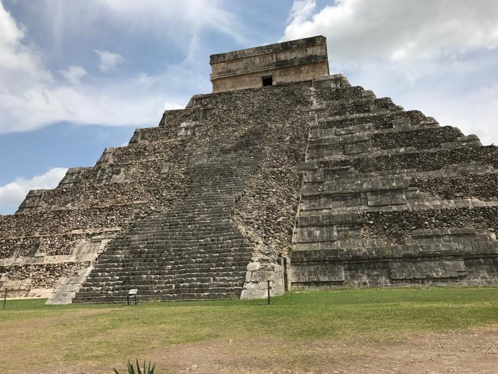 メキシコ チチェン・イッツァ遺跡 ククルカンのピラミッド 南面