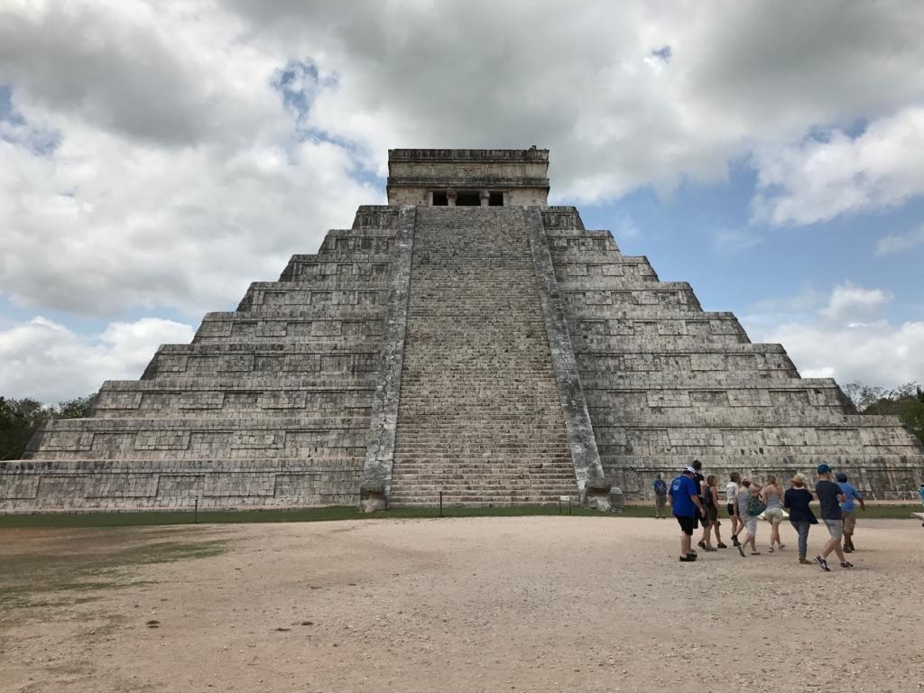 メキシコ チチェン・イッツァ遺跡 ククルカンのピラミッド 北面