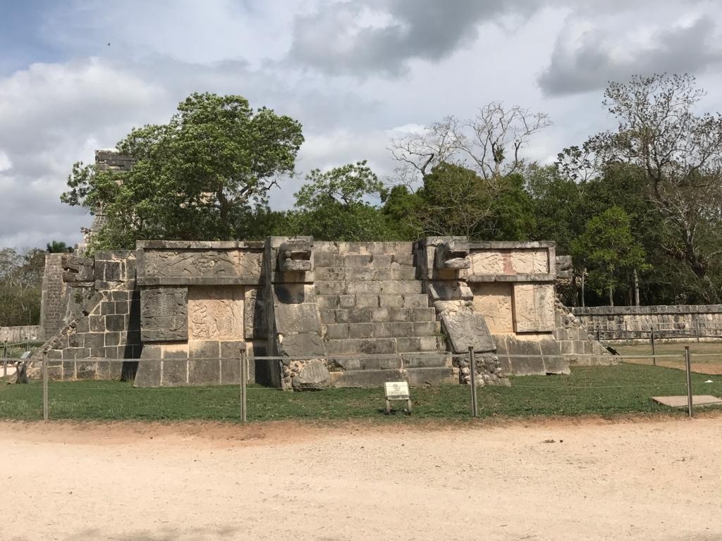 メキシコ チチェン・イッツァ遺跡 金星の台座