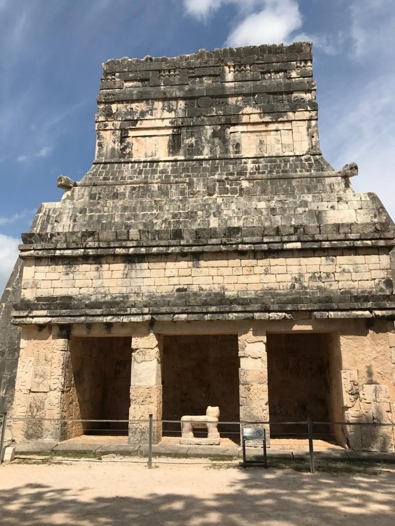 メキシコ チチェン・イッツァ遺跡 ジャガーの神殿