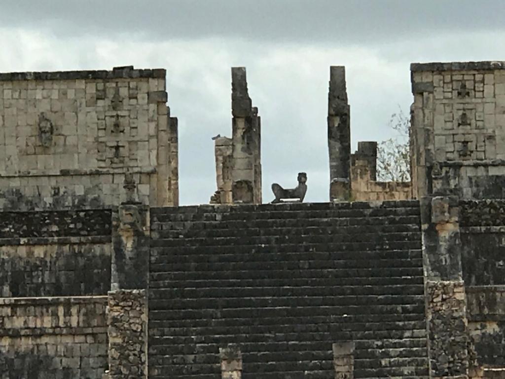 メキシコ チチェン・イッツァ遺跡 戦士の神殿 チャックモール