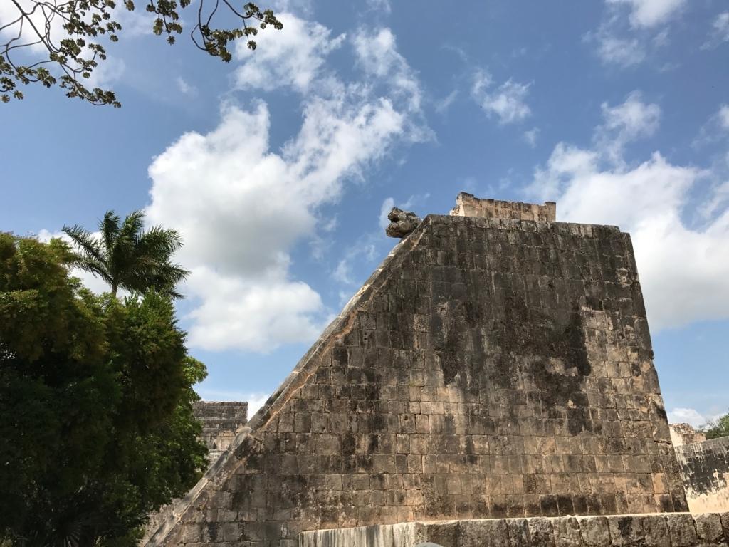 メキシコ チチェン・イッツァ遺跡 球技場の壁