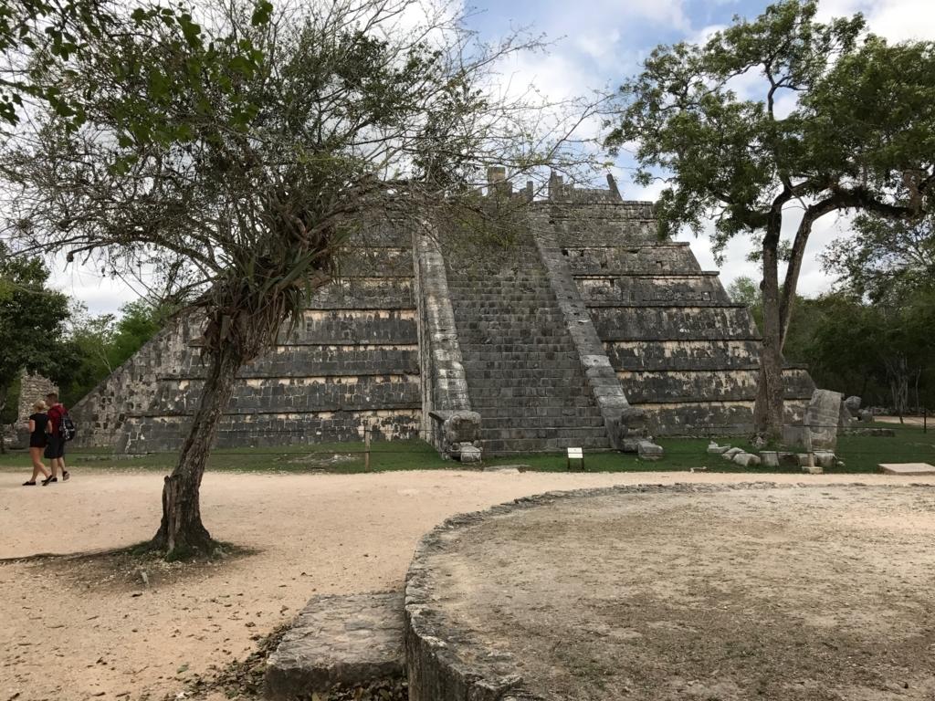 メキシコ チチェン・イッツァ遺跡 高僧の墳墓