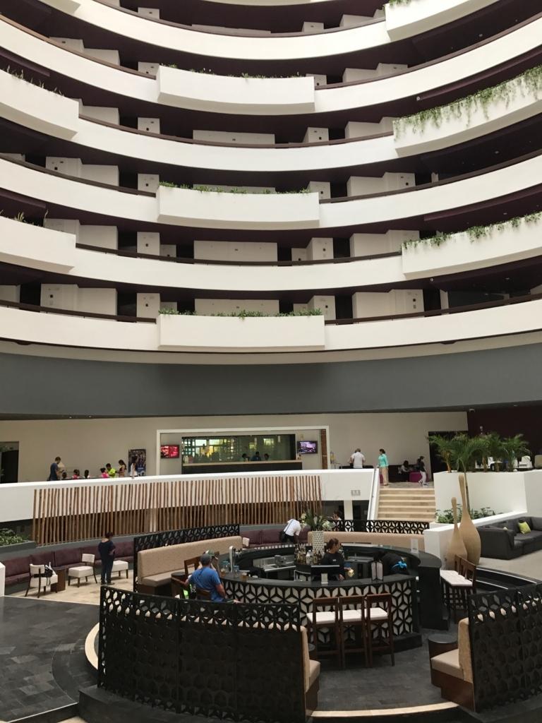 メキシコ カンクン 「クリスタル グランド プンタ カンクン」ホテル フロント